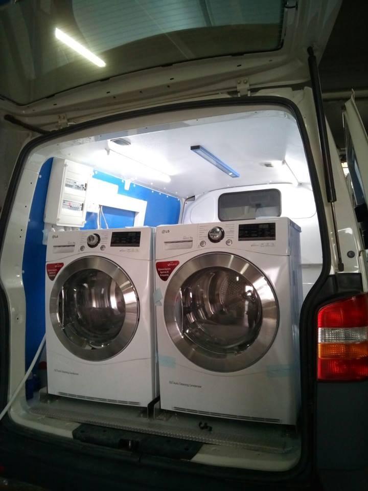 Κινητή μονάδα καθαρισμού ρούχων για αστέγους - Κιβωτός της Ορθοδοξίας 3b436ec4fc6